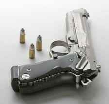 25a1982ad9d6e113ff2104eaea25425d-beretta-handgun