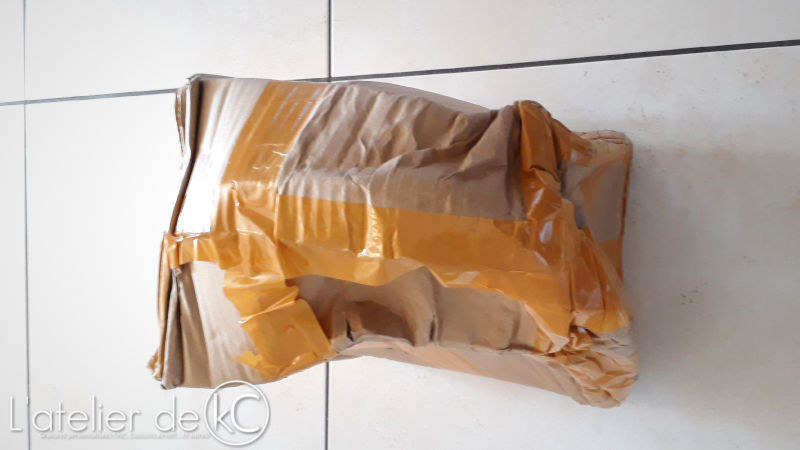 Damaged chinese parcel careless shipment1